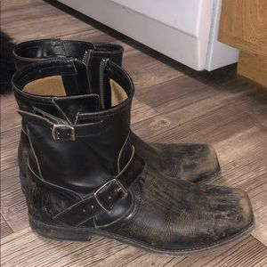 FRYE Leather Distressed Motorcycle Boots